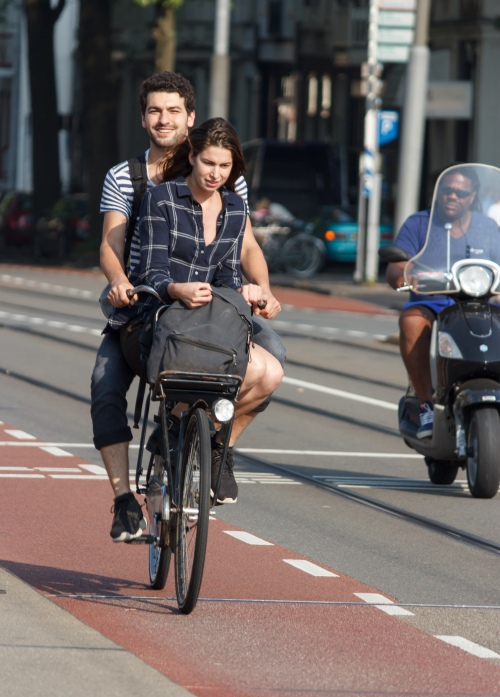 Two_people_on_bike_Amsterdam_2016-09-15-6785